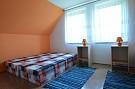 izba 3 postele